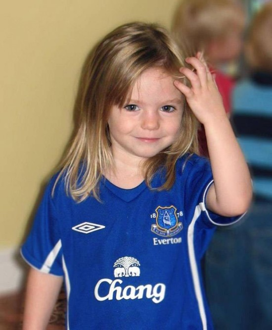 Photographs revisited - questions - Page 17 Mirror15512Madeleine+McCann+in+an+Everton+Football+shirt