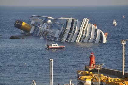 Picture Gallery - Page 20 CostaConcordia